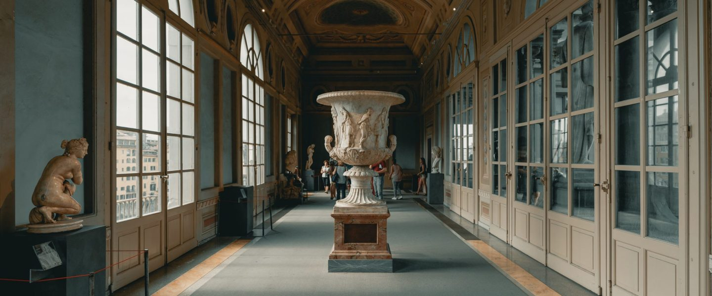 NegroniVoyages_©clay-banks_Galerie des Offices_florence